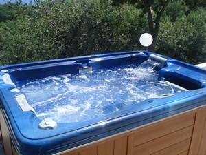 Купить spa бассейн в г. Симферополь (Крым) можно в Мир Спа