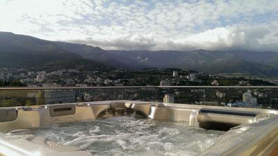Спа бассейн в пентхаусе. Ялта. Фото спа бассейнов в Крыму
